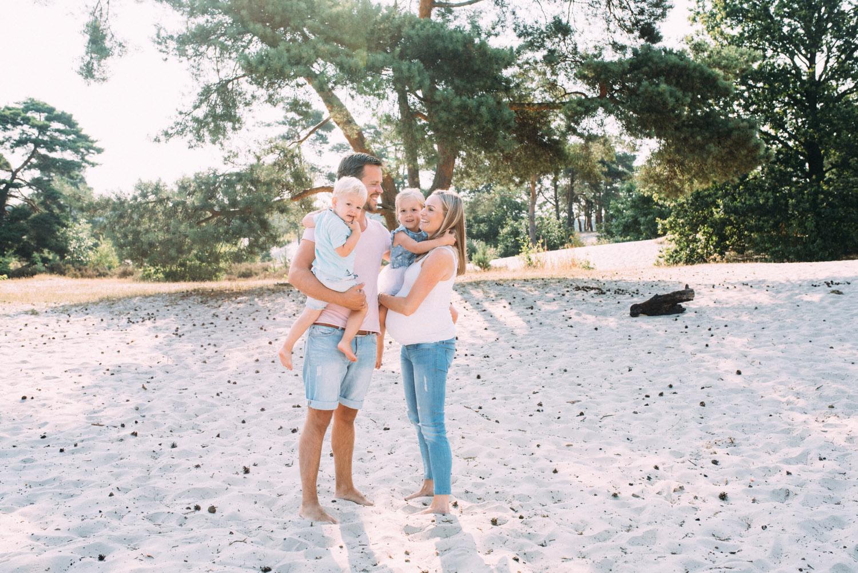 Lifestyle fotograaf zwangerschapsshoot Utrecht